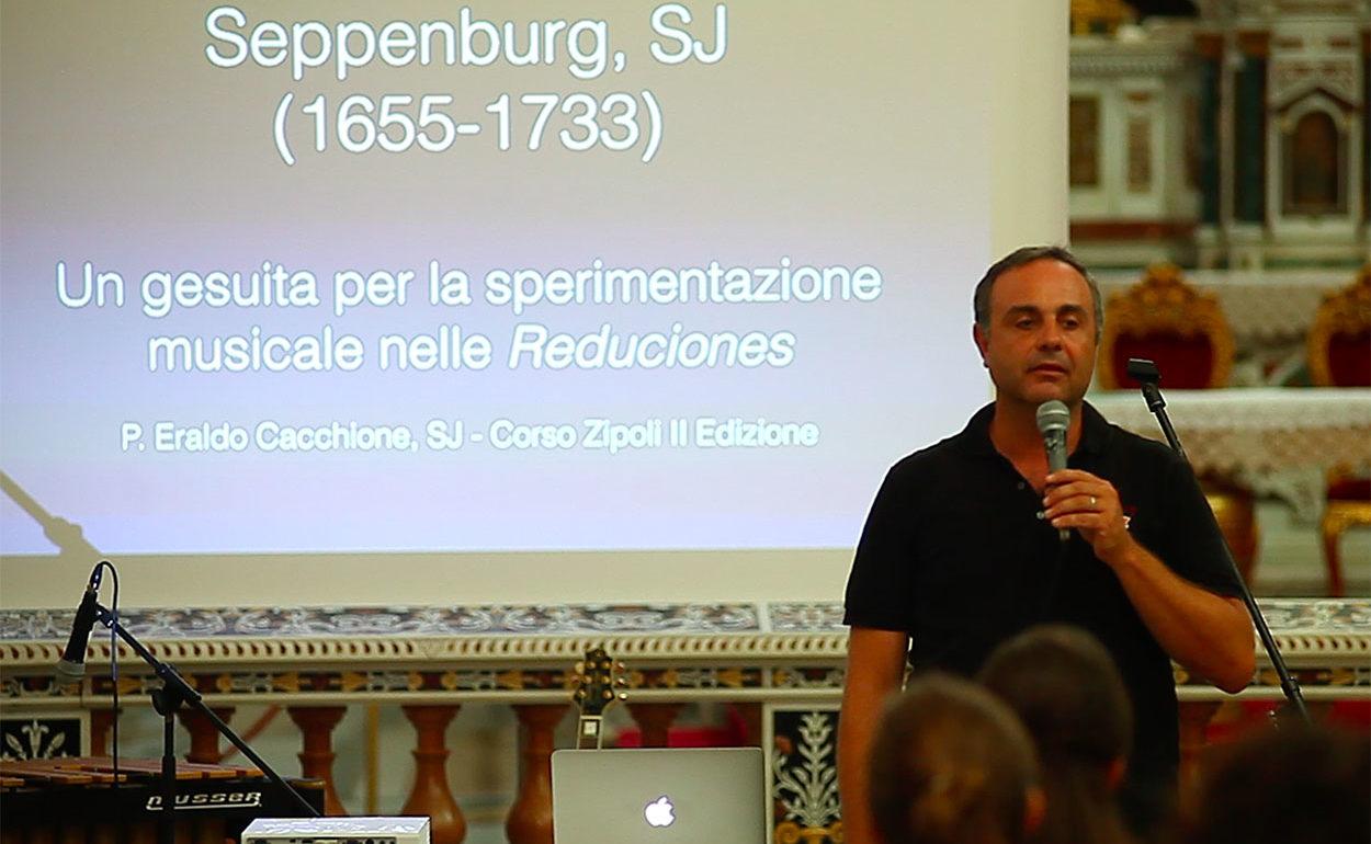 carousell_zipoli_extra_0074_Eraldo spiega.png